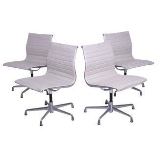 Early Aluminum Group Herman Miller Eames Chairs With Five-Star Base - Set of 4 For Sale