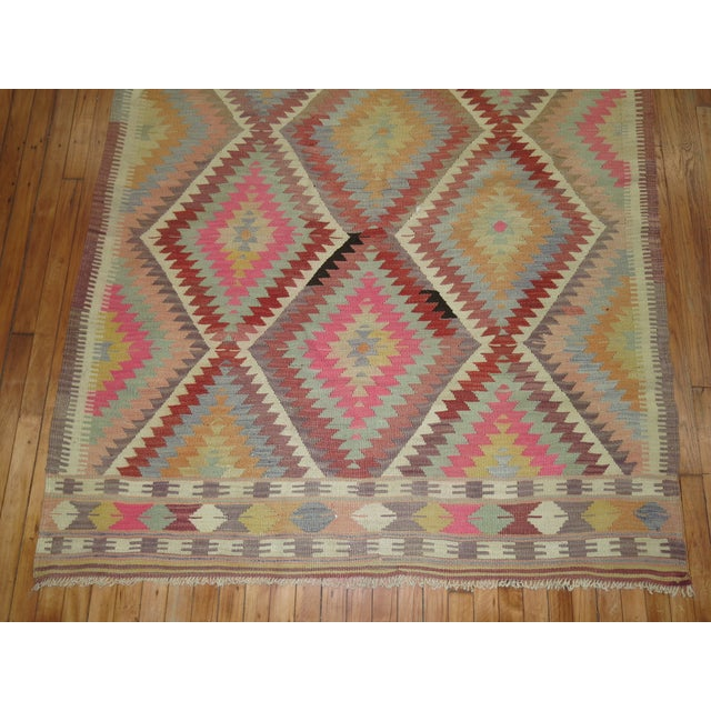 Vintage Turkish Kilim Rug - 5'1'' x 9'3'' For Sale In New York - Image 6 of 8