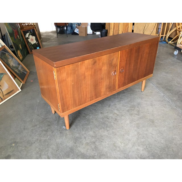 Danish Modern Rose Stained Credenza Cabinet W/ Sculpted Pig Nose Pulls For Sale - Image 4 of 7