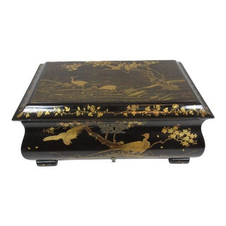 1930s Large Japanese Lacquer Jewelry Box For Sale