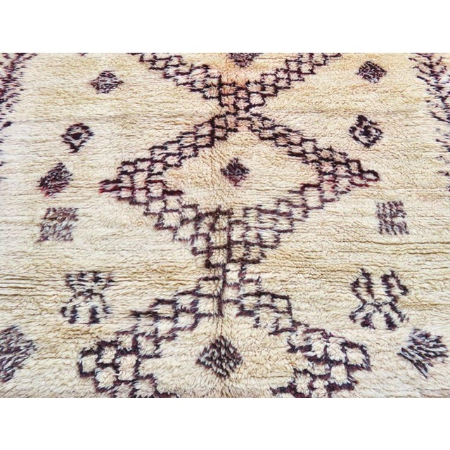Vintage Moroccan Marmoucha Rug - 6′ × 10′2″ For Sale - Image 4 of 11