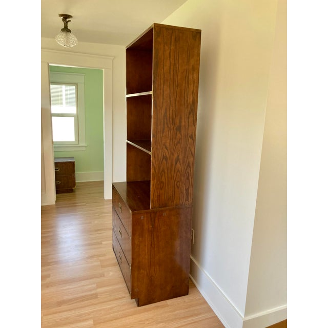 Campaign Late 20th Century Dixie Campaign Dresser With Shelves For Sale - Image 3 of 13