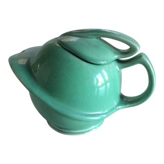 Mid-Century Stream-Lined Teapot For Sale