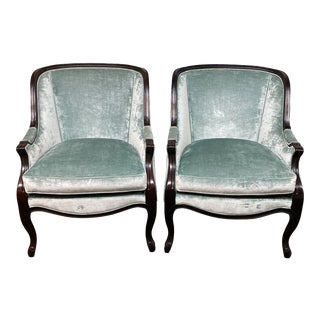 Hickory Chair Curved Back Bergere Chairs, a Pair For Sale