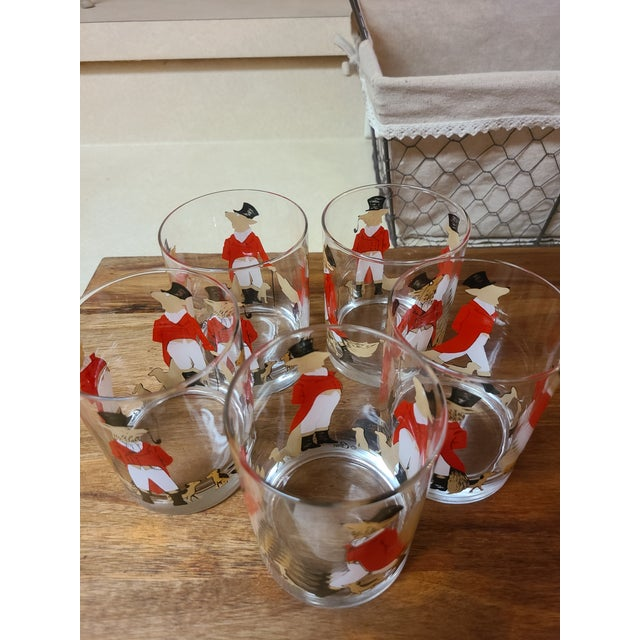 Adorable vintage 14 oz Equestrian 'Snooty Fox and Hound cocktail glasses. Set of 5 Made by Cera Equestrian