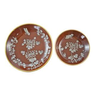Chinoiserie Red & Gold Porcelain Bowls - a Pair For Sale