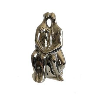 Signed Jaru California 1970s Mid-Century Figures Statue Love Story Silver Ceramic Couple Sculpture For Sale