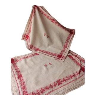 "1920s ""TT"" Monogrammed White and Red Damask Linen Napkins - Set of 12 For Sale"