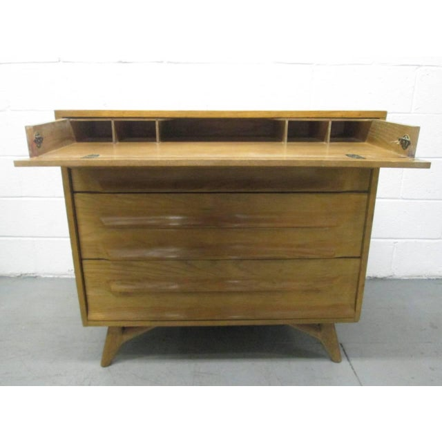 Mid-Century Modern Pair of Cerused Oak Chests For Sale - Image 3 of 7