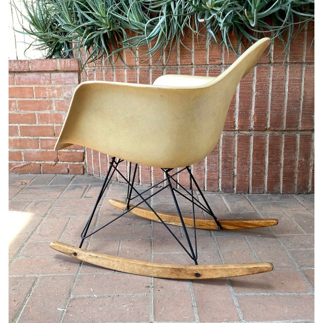 Eames - Herman Miller Zenith Rocker, 2nd Generation non-rope edge, large shock mounts, molded fiberglass, early 1950s...