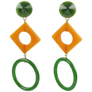 Pop Art Long Bakelite Clip on Earrings Forest Green and Blood Orange Color For Sale