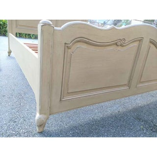 French Country Style Queen Size Bed Preview
