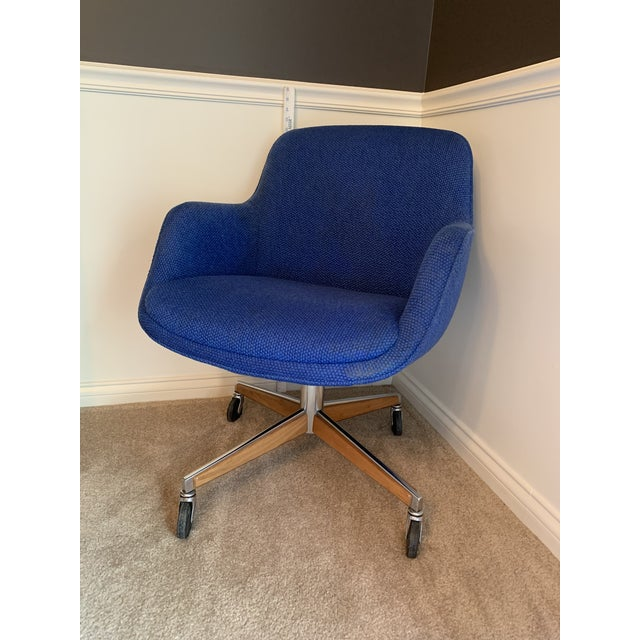 1970's Steelcase Mid-Century Blue Swivel Barrel Chair For Sale - Image 12 of 12