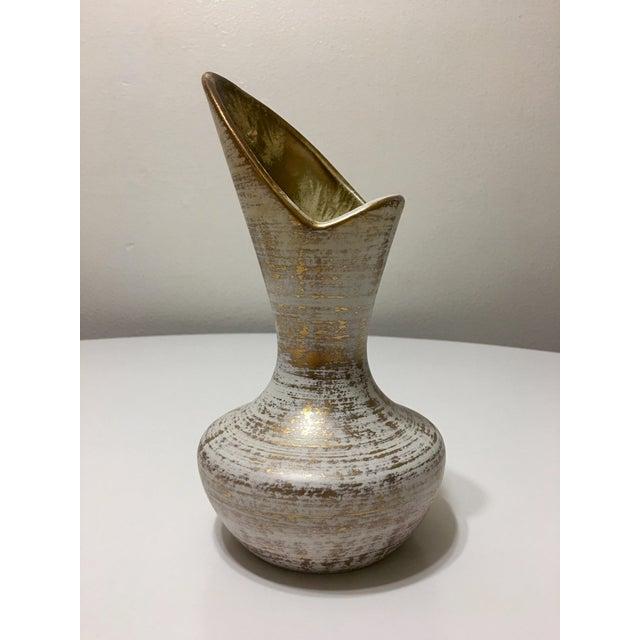 Vintage Atomic Era 22kt Gold Spun White Art Pottery Vase - Image 2 of 6