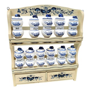 1950s Blue Onion China Spice Jars With Wood Spice Rack | Blue White Shakers- Set of 12 For Sale
