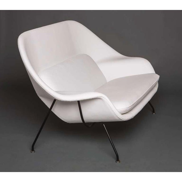 Eero Saarinen for Knoll, womb settee, USA, circa 1960s with original tag 35 h x 62 w x 34 d in Restored in supple white...