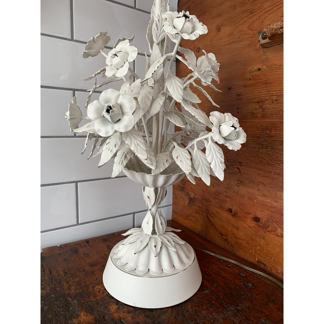 Italian Vintage Mid Century Modern White Tole Floral Lamp For Sale - Image 3 of 7