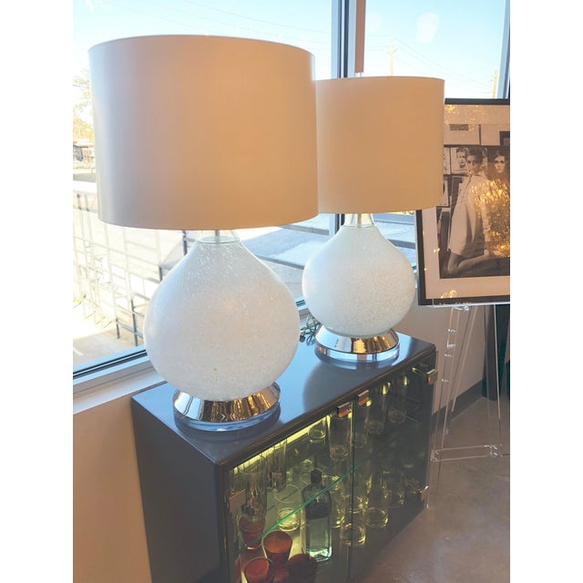 Pair of Mid Century Modern Vistosi White Murano Glass & Chrome Table Lamps with Lucite bases - Image 4 of 7