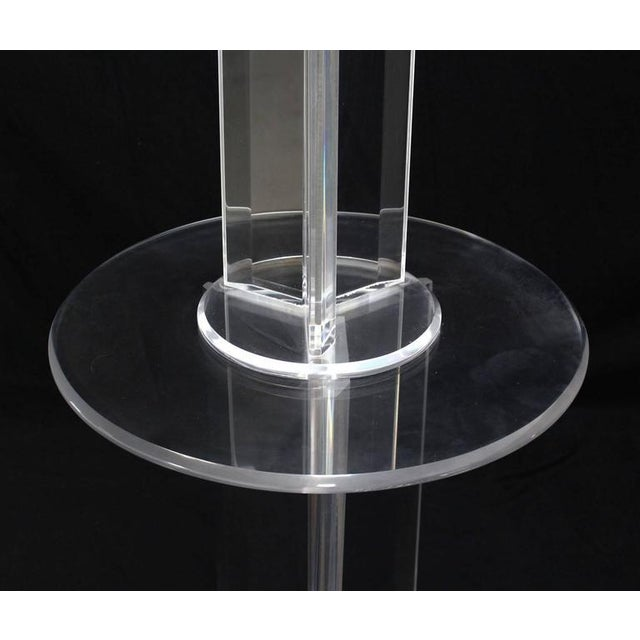 Transparent Mid Century Modern Lucite Floor Lamp with Round Built In Table For Sale - Image 8 of 9