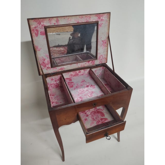 Early 19th Century Antique French Dressing Table. For Sale In Raleigh - Image 6 of 9