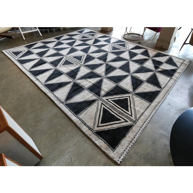 Contemporary Moroccan Geometric Triangles Wool Rug - 9′ × 12′ For Sale - Image 3 of 11
