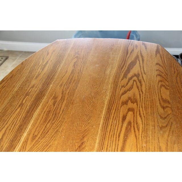 Hunt Country Furniture Oak Trestle Dining Set - Image 4 of 5
