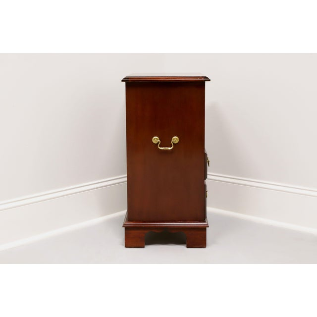 Vintage Inlaid Mahogany Traditional Open Cabinet Nightstand For Sale - Image 4 of 13