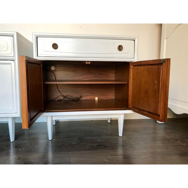 Mid Century Modern Heritage Night Stands- A Pair For Sale - Image 10 of 12