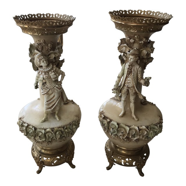 19th Century Figurative Old Paris Porcelain Vases - a Pair For Sale