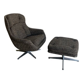 Mid Century Egg Chair in Grey Tweed - a Pair For Sale