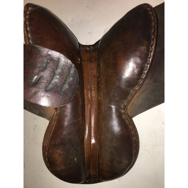 Vintage Equestrian English Leather Lady Saddle For Sale In New York - Image 6 of 13
