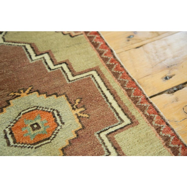 "Vintage Turkish Oushak Runner - 1'7"" x 2'8"" For Sale In New York - Image 6 of 6"