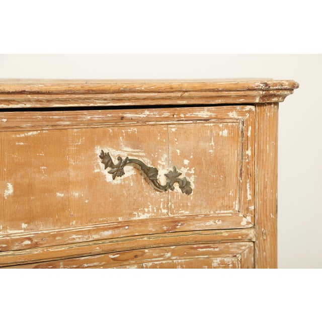 18th Century French Commode For Sale - Image 4 of 11