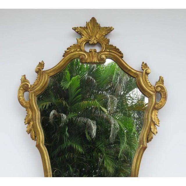 Vintage C.1950's Hollywood Regency Era Italian Venetian Gilt Gold Leaf Carved Mirror For Sale - Image 4 of 13