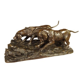 Large Antique French Patinated Bronze of Hunting Hounds, 19th Century