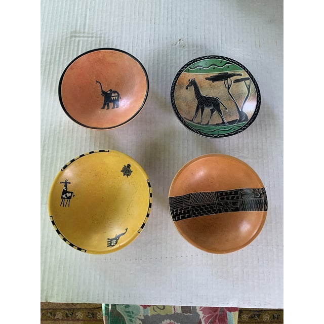 These beautiful african bowls are hand-carved out of natural soapstone from Kenyan region. The four different bowls...