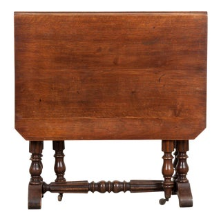English 19th Century William and Mary-Style Walnut Gate-Leg Table For Sale