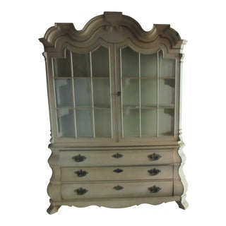 1960s Vintage Hollywood Regency Style China Cabinet by Dorothy Draper for Henredon For Sale