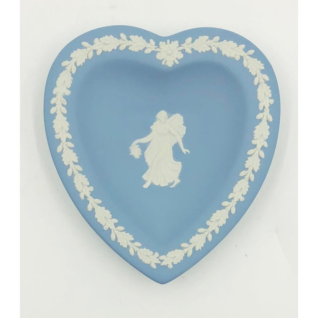 Commemorative Wedgwood Miniature Heart shaped Plate or tray. Made in England in the early 80s and displays exquisite...