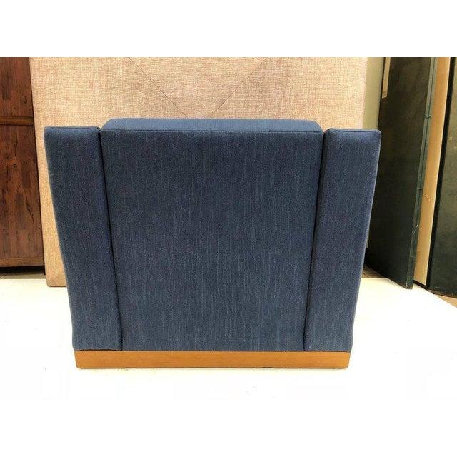Dakota Jackson Pair of Dakota Jackson Lounge Chairs and Ottoman For Sale - Image 4 of 7