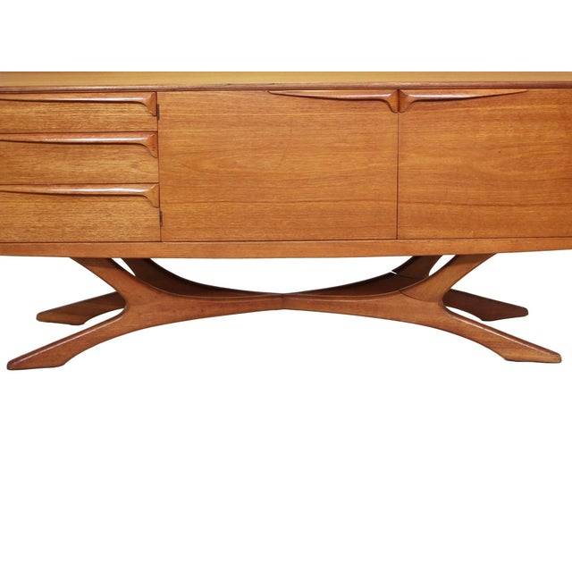 Wood Mid Century Modern Credenza by Beithcraft For Sale - Image 7 of 9