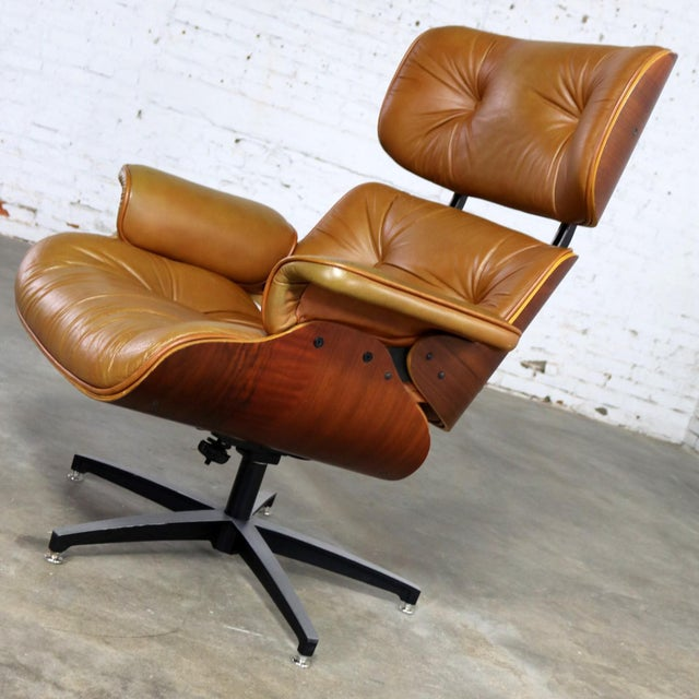 3709dfe3e706 Mid 20th Century Mid Century Modern Lounge Chair Attributed to Selig  Plycraft and in the Style
