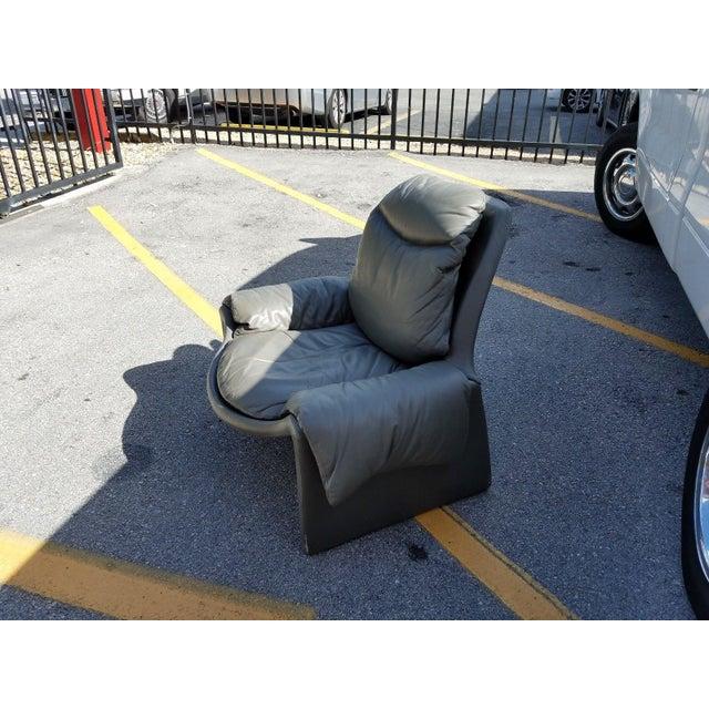 Italian 1970s Vintage Vittorio Introini for Saporiti Italian Leather Lounge Chair For Sale - Image 3 of 9