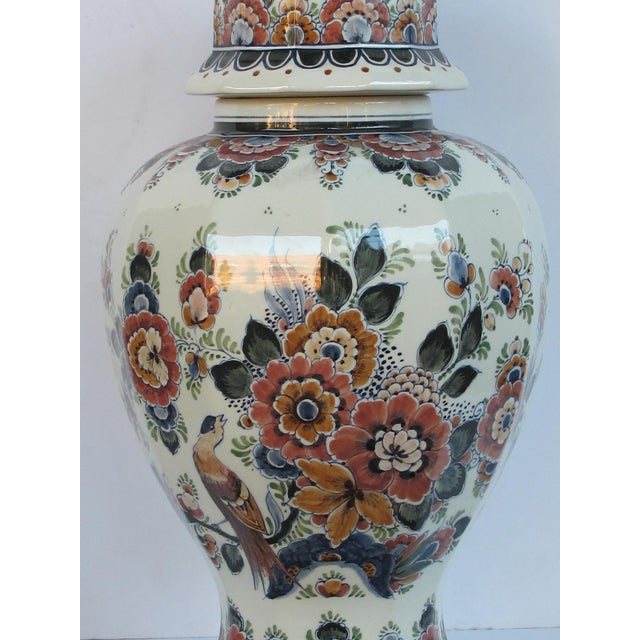 Pair of Delft Hand-Painted Covered Jars Signed by the Artist P. Verhoeve For Sale - Image 9 of 10