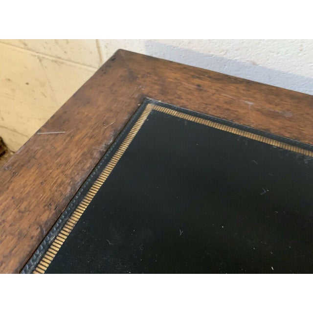 Late 20th Century English Traditional Leather Top Writing Desk For Sale In New York - Image 6 of 10