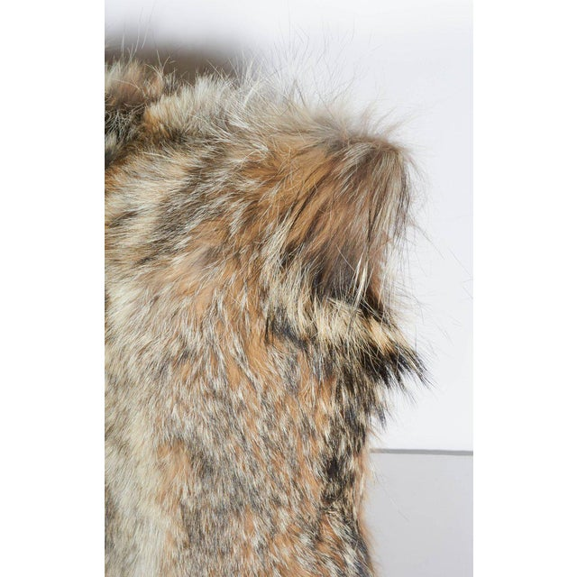 Contemporary Pair of Luxury Fur Throw Pillows in Genuine Coyote and Cashmere For Sale - Image 3 of 10