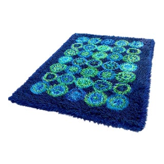 1970s Retro Blue-Green Shag Carpet - 4′7″ × 6′ For Sale