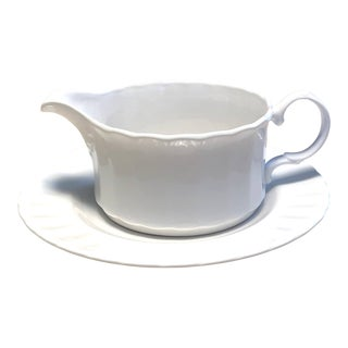 Mikasa Yardley Gravy Boat With Saucer - 2 Pieces For Sale