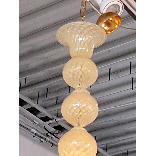 Seguso Mid-Century Modern Murano Glass Honey Large Pendant Light by Seguso For Sale - Image 4 of 7