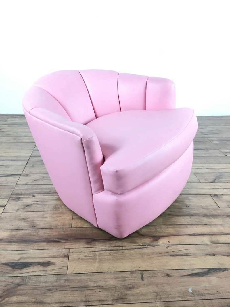 This Charming, Retro Swivel Chair Is All About The Bass With